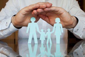 La loi du 14 juin 2013 relative à la sécurisation de l'emploi prévoit la généralisation de la complémentaire santé à tous les salariés du secteur privé au 1er janvier 2016, conformément à l'Accord National Interprofessionnel (ANI) signé par les partenaires sociaux le 11 janvier 2013.